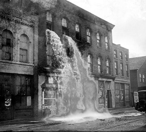 alcolici-illegali-riversati-in-strada-durante-il-proibizionismo-detroit-1929