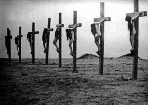 crocifissione donne